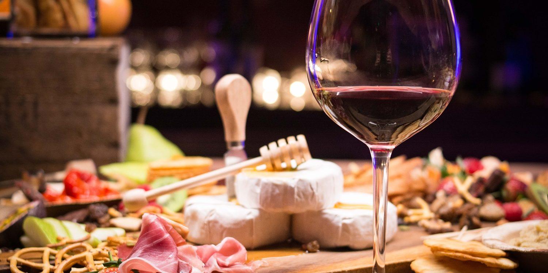 ワインとディナー
