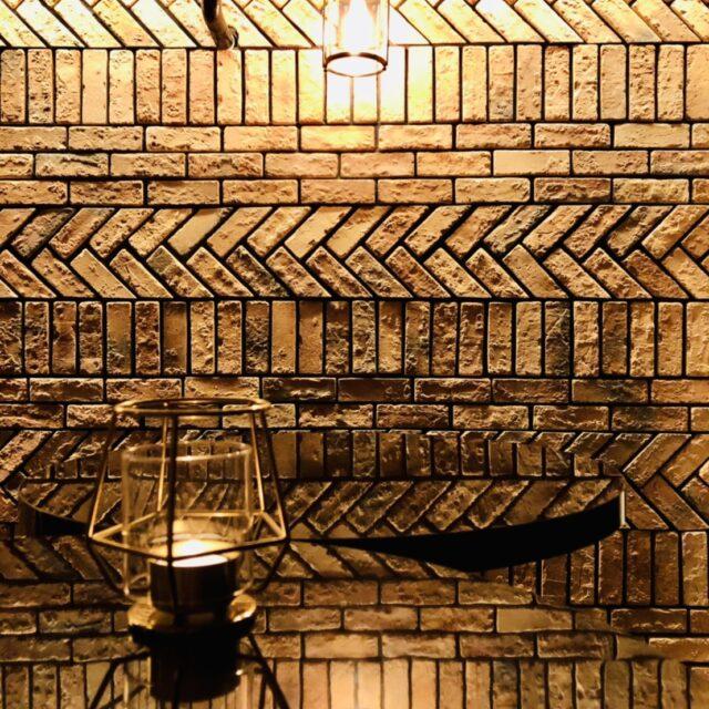 Cafe and Bar Gaitomoの照明